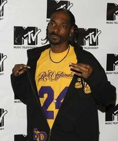 Snoop Doggin the press room during MTV's ?TRL