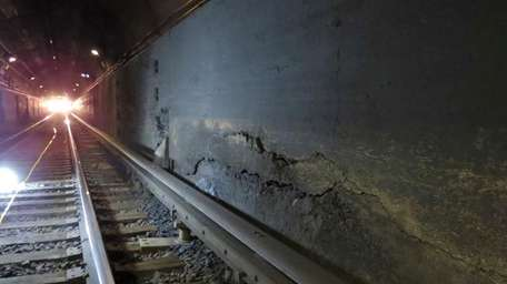 Cracks in the Long Island Rail Road tunnels