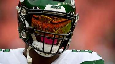 Le'Veon Bell of the Jets looks on prior