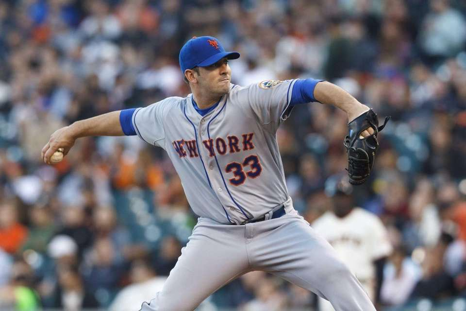 Matt Harvey pitches against the San Francisco Giants