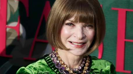 Anna Wintour will co-host a benefit performance of