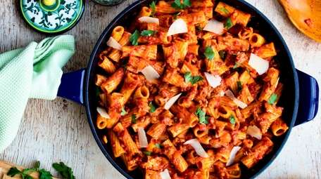 Rigatoni with sausage, fennel, and peppers cooked entirely