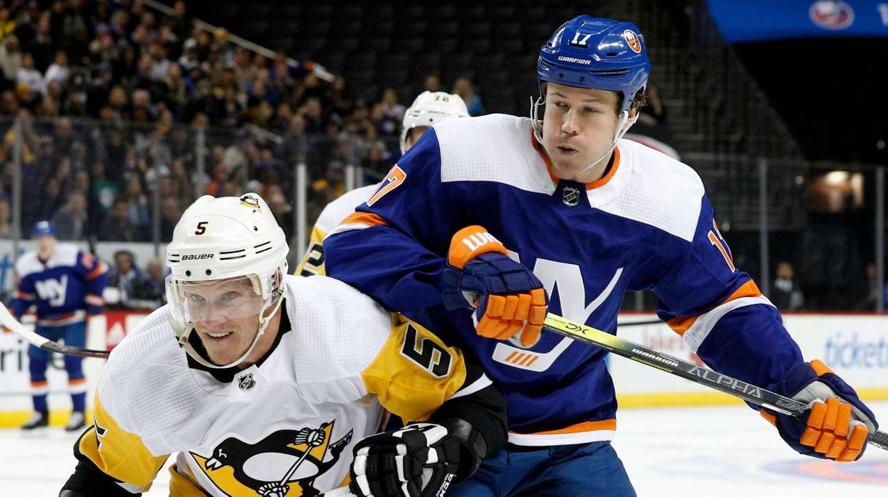 Martin activated for Islanders' matchup against Penguins