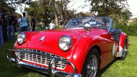 THE CAR AND ITS OWNER 1962 Triumph TR3B