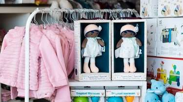 Two Ma premiere Poupee, My First Doll, are