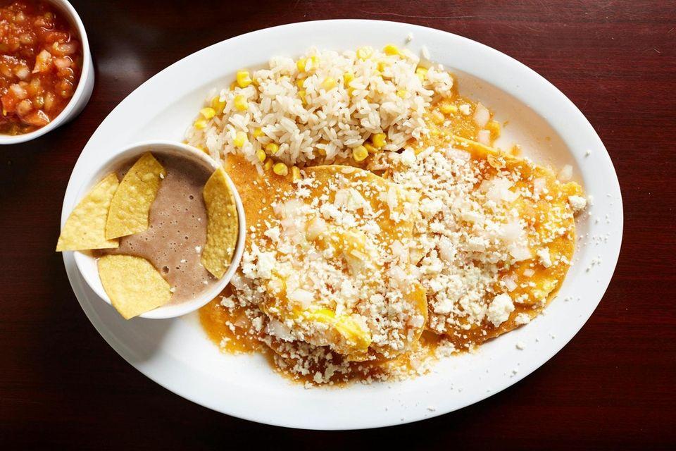 Taco El Chingón in Bellmore serves breakfast all