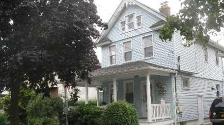 This house at 6 Dean St. in Lynbrook
