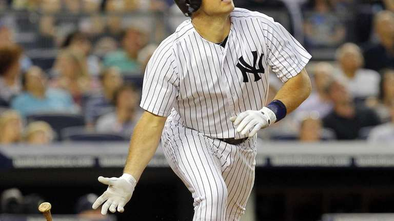 Mark Teixeira flies out in the fourth inning