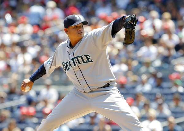 Felix Hernandez of the Seattle Mariners pitches during