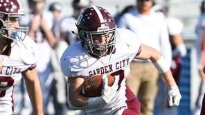 Garden City's Pierce Archer finds running room against