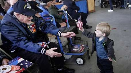 Korean War veteran Paul Bopp of Levittown (at