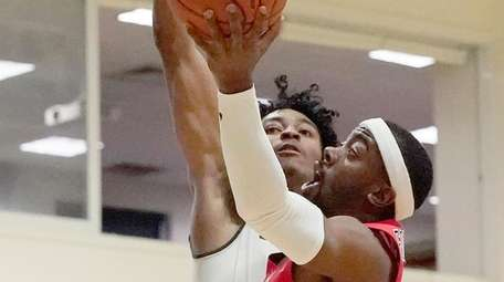 Stony Brook Seawolves guard Makale Foreman drives to