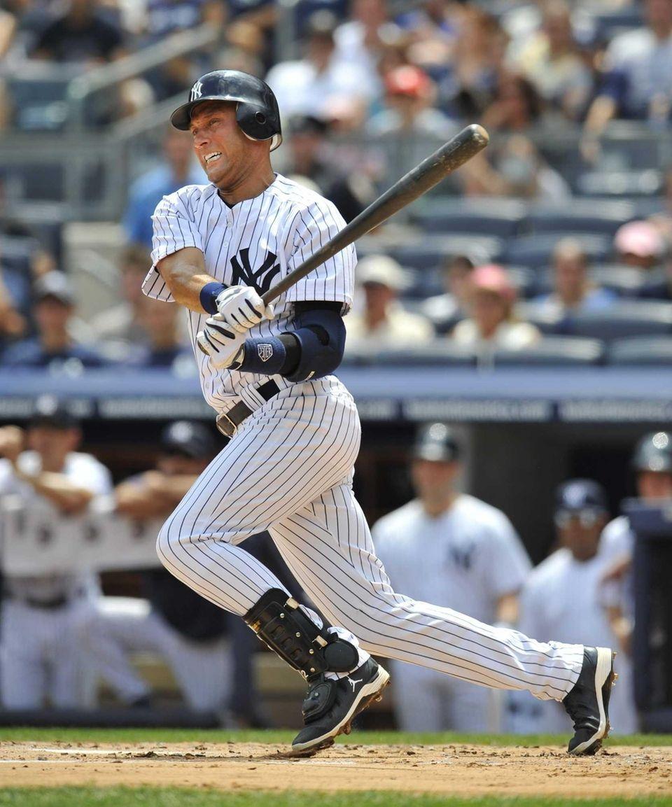 Derek Jeter hits into a fielders choice in