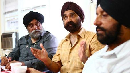 Mohinder Singh Taneja (left) and Virender Sikka (right)