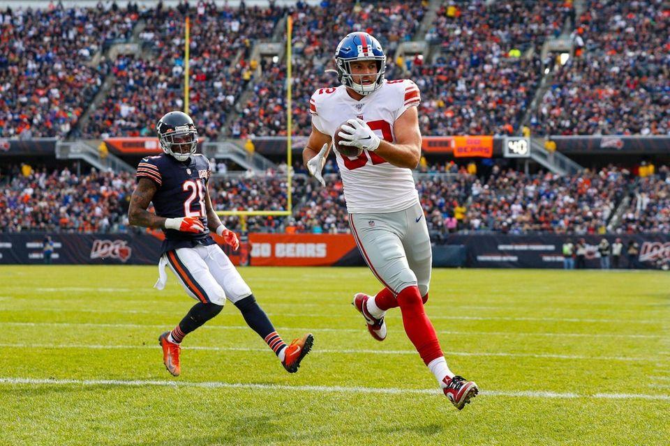 Giants tight end Kaden Smith runs in for