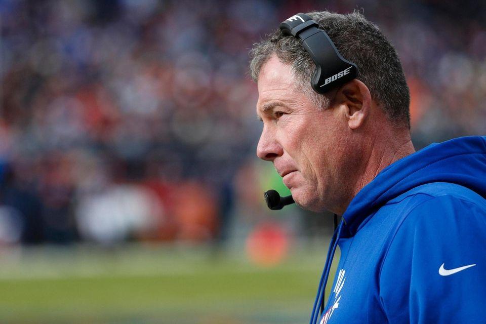 Giants head coach Pat Shurmur stands on the