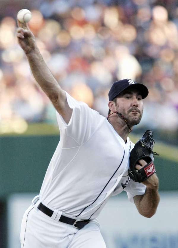 Detroit Tigers starter Justin Verlander pitches against the