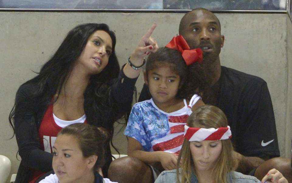 Kobe Bryant with his wife Vanessa and daughter