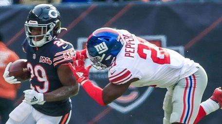 Chicago Bears running back Tarik Cohen is run