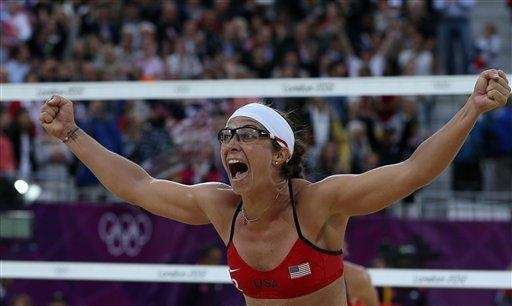 US Misty May-Treanor celebrates after defeating China in