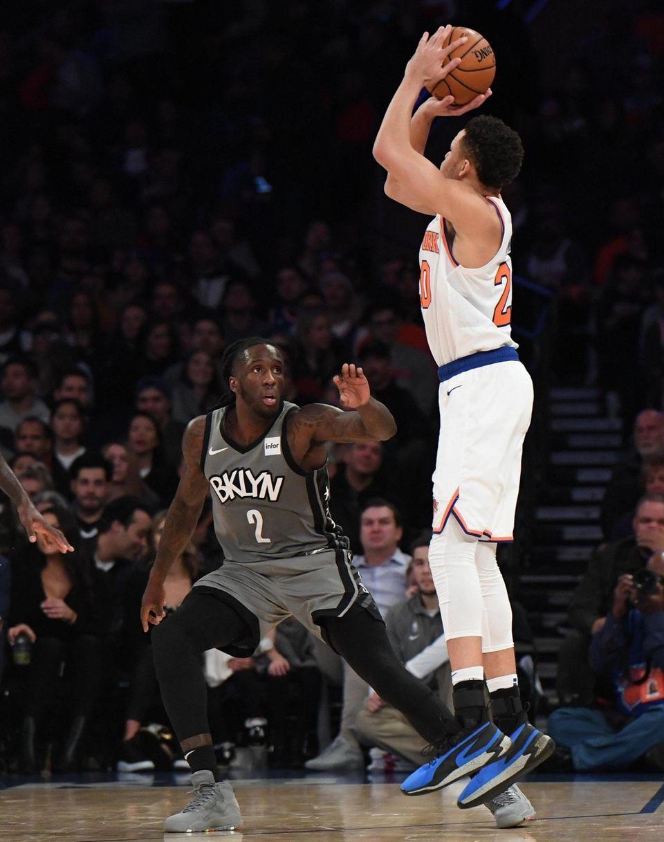New York Knicks forward Kevin Knox II shoots