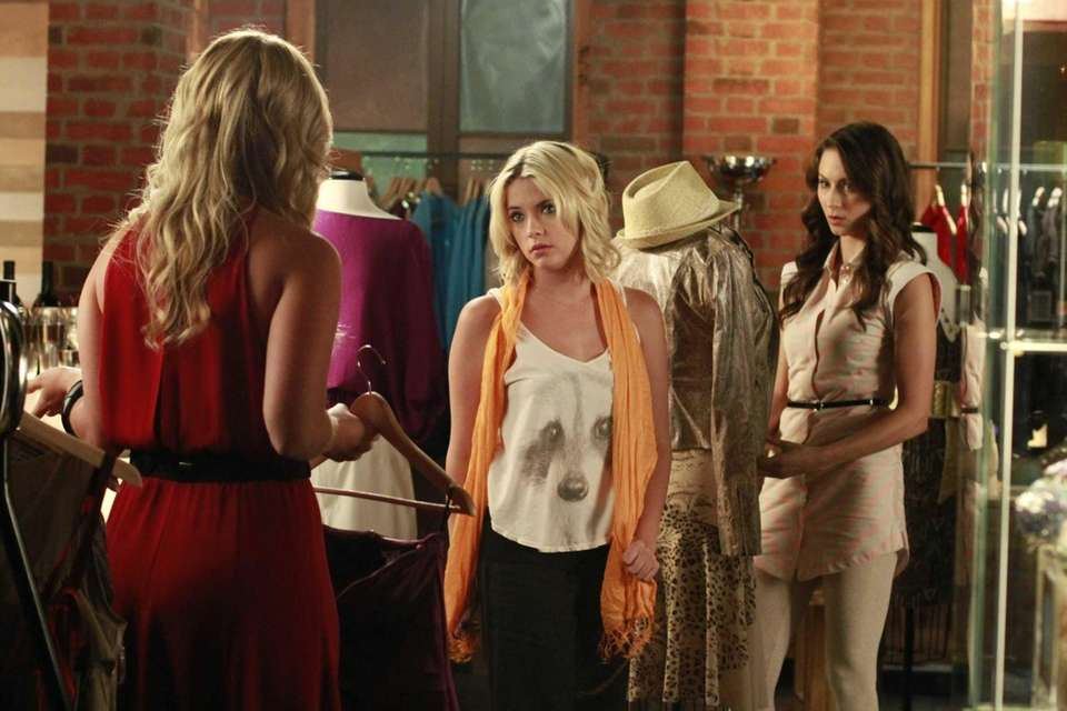 Spencer learns about Paige's shocking past with Ali,