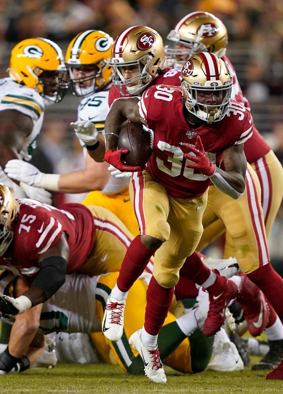San Francisco 49ers running back Jeff Wilson Jr.