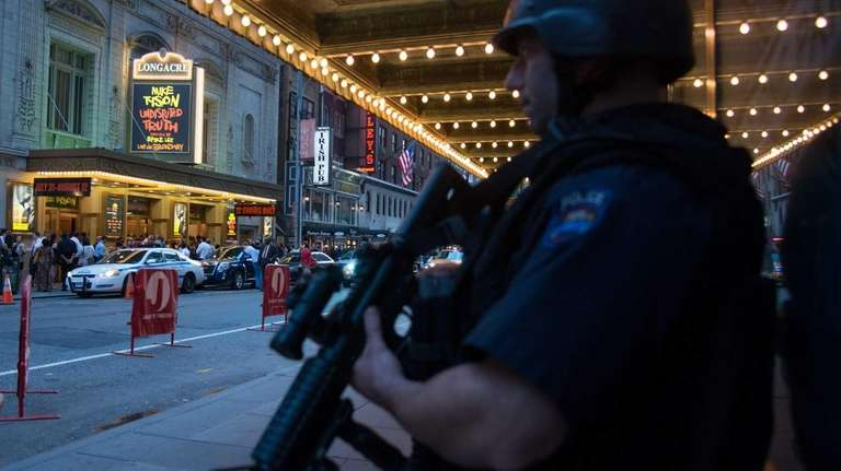 The NYPD dispatches a Hercules Team in front