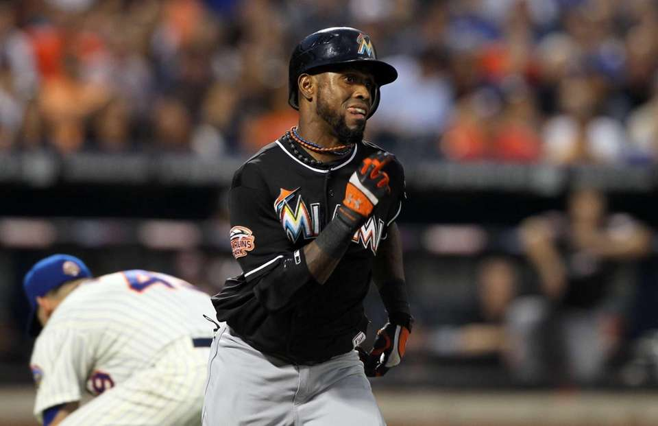Jose Reyes of the Miami Marlins runs out