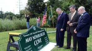 Senator Chuck Schumer, Town of North Hempstead supervisor