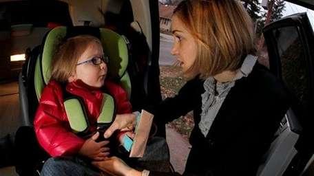 Few parents are following the recommended car seat