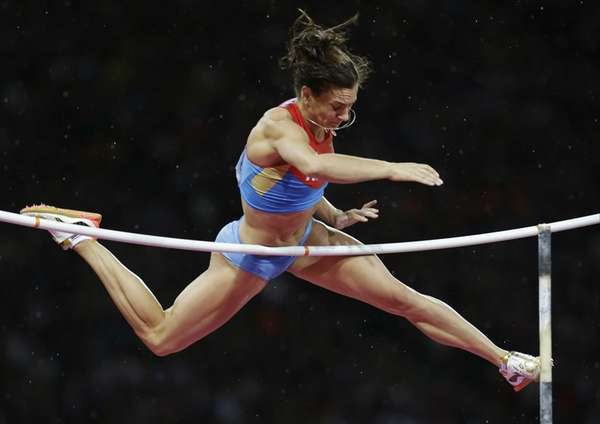 Russia's Yelena Isinbayeva fails to clear the bar