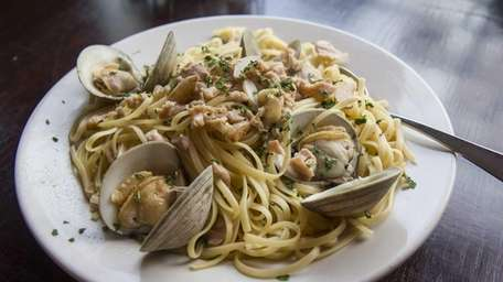 Bronx Pizza Company serves linguine with white clam