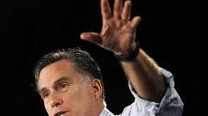 Republican presidential candidate Mitt Romney campaigns in Des