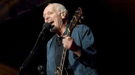 Peter Frampton performs during his farewell tour at