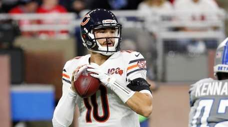 Chicago Bears quarterback Mitchell Trubisky throws during the