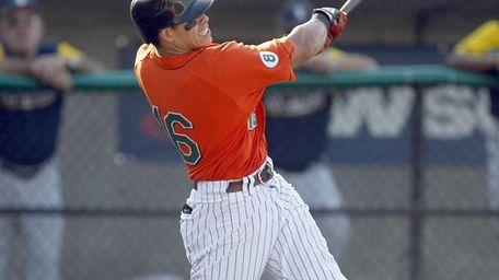Ducks DH Ray Navarrete hits a two-run home