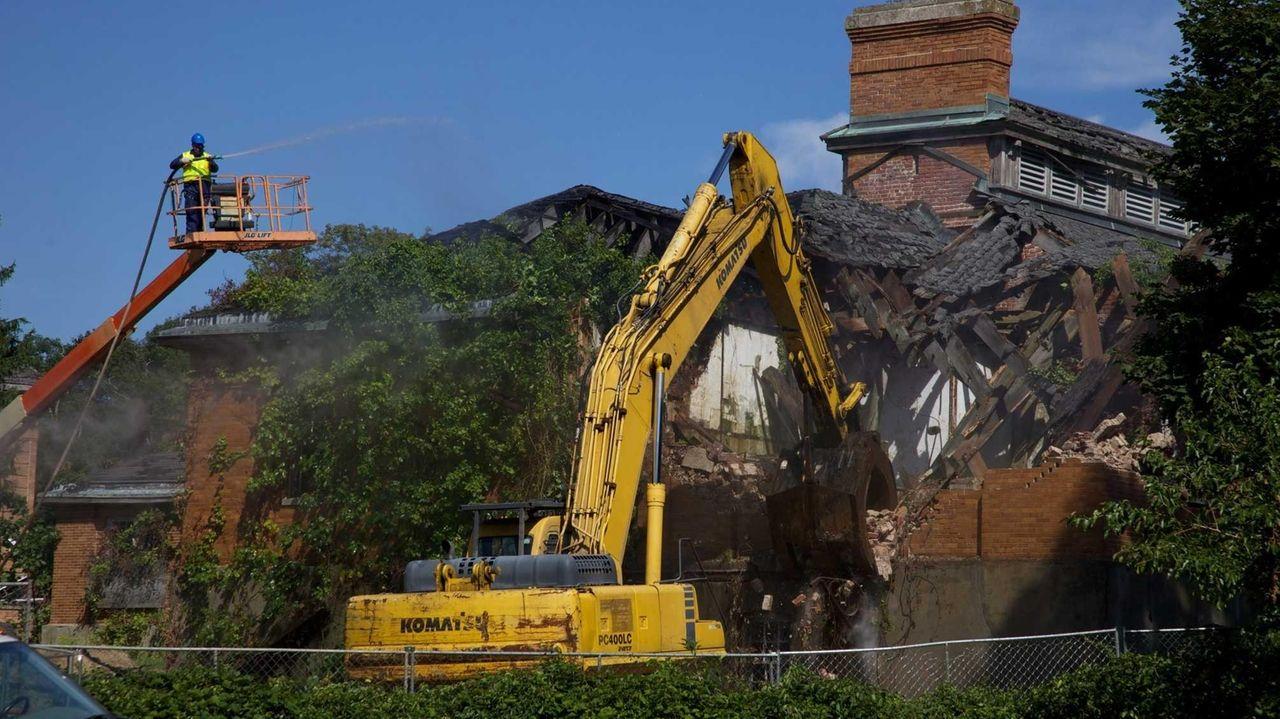 Kings Park Psychiatric Center Demolition Begins Newsday