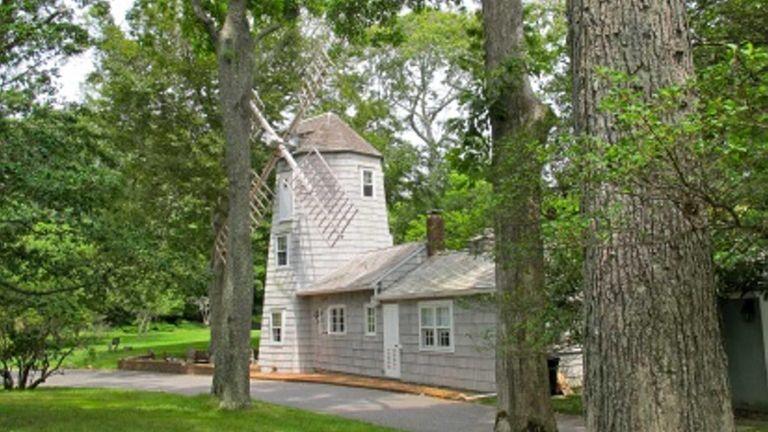 The Windmill house at 64 Deep Lane, Amagansett