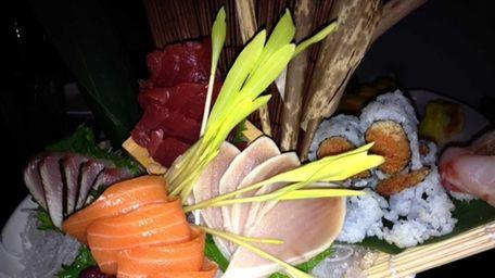Sushi and sashimi platter at Kashi Sushi Lounge