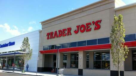 A Trader Joe's is opening on Old Country