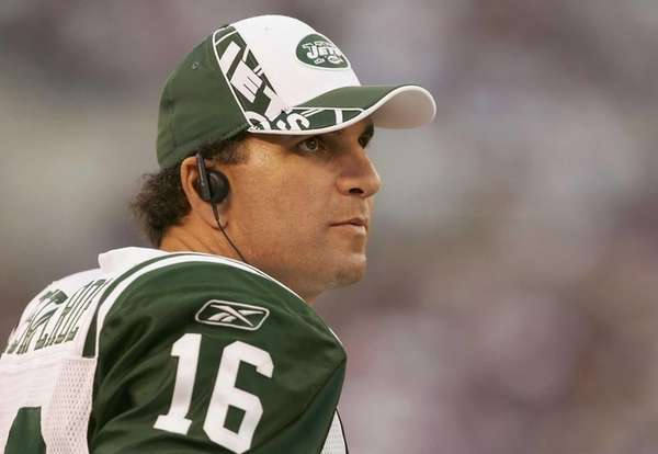 Quarterback Vinny Testaverde watches a game against the