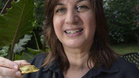 Karen Leibowitz says that at parties everyone goes