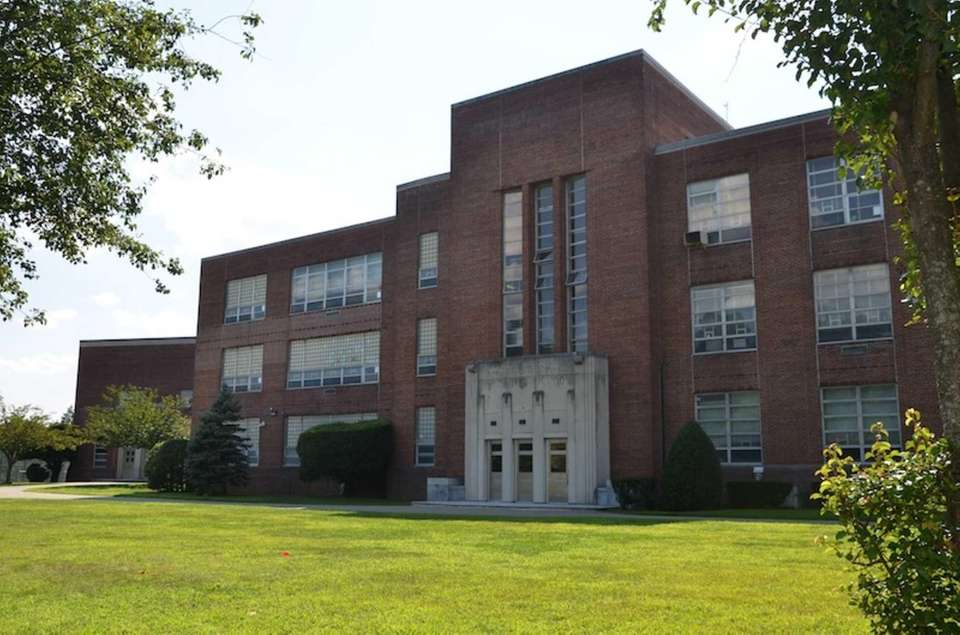 Great Neck South Middle School is located at