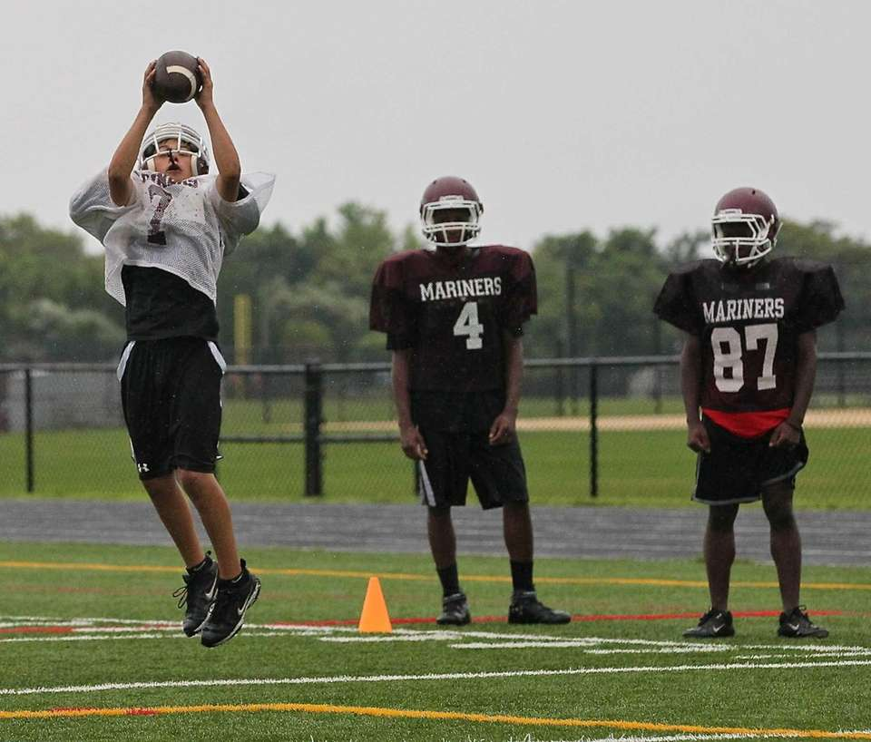 Southampton receivers practice short pass drills. (Aug. 18,
