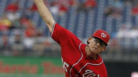 Washington Nationals relief pitcher Tyler Clippard throws during