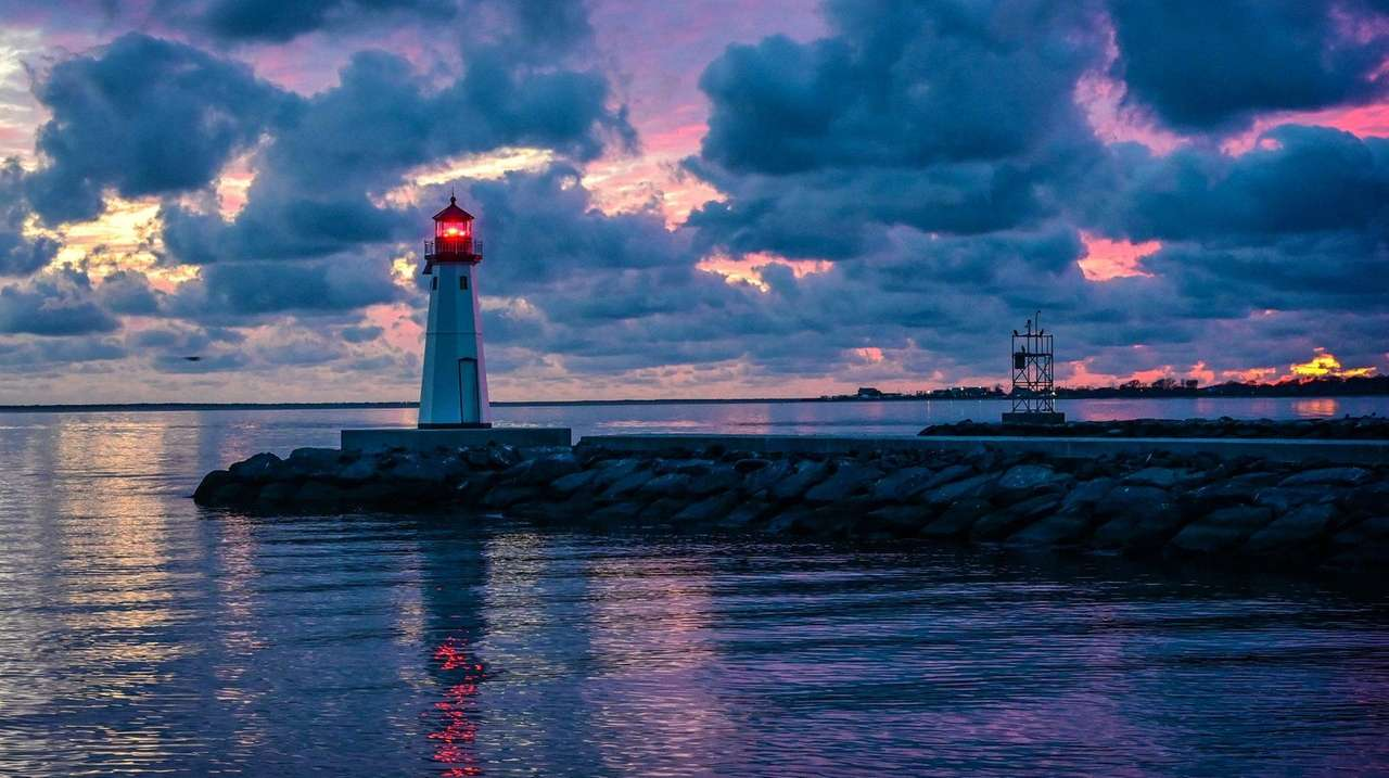 Patchogue adds solar-powered lighthouse to pier