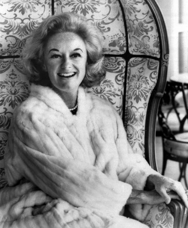 Comedian Phyllis Diller, the housewife turned humorist who