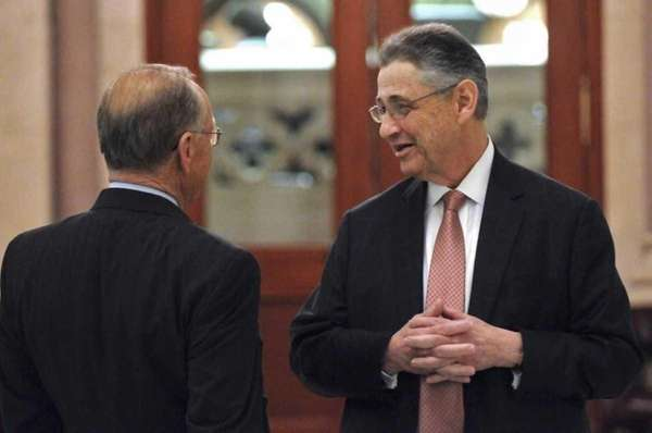 Assembly Speaker Sheldon Silver talks in the hallway