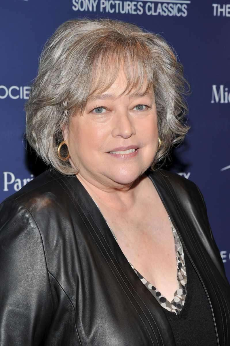 Kathy Bates first appeared as Jo Bennett, CEO
